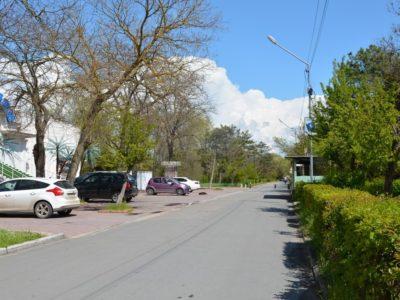 Автомобильный подъезд к хостелу
