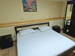 4-местный 2-комнатный номер с кухней и стиральной машиной, хостел Малибу, Евпатория